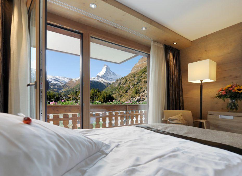 Bild eines Zimmers mit Matterhornblick