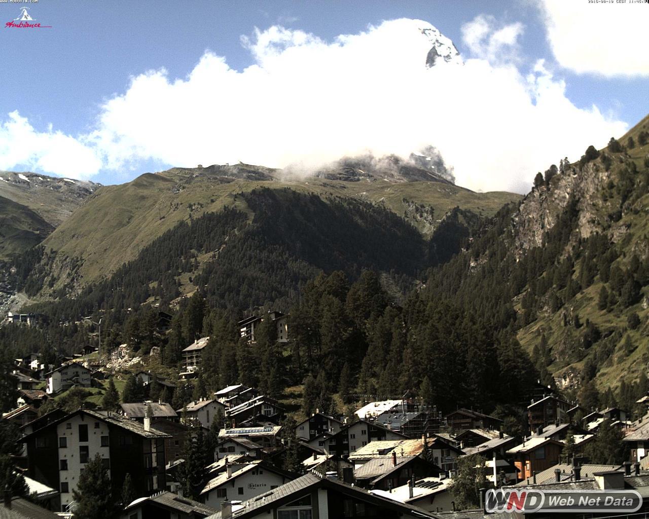 Zermatt Hotel Ambiance